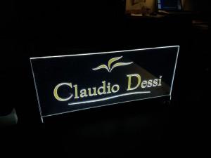 Prezenter z plexi podświetlany diodami LED Częstochowa